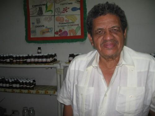 Doctor Juan Almendares Bonilla in his clinic, Tegucigalpa, July 16th, 2009. Foto: Sandra Cuffe