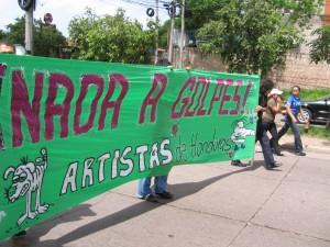 Artistas contra del golpe. 4 de julio del 2009. Foto por Sandra Cuffe. http://flickr.com/photos/lavagabunda