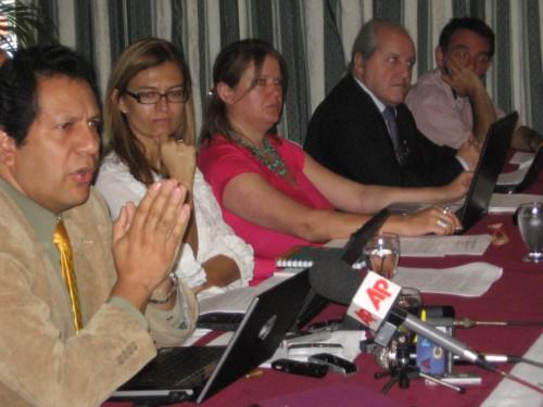 Conferencia de prensa de la delegacion internacional de DD.HH. FOTO: Sandra Cuffe