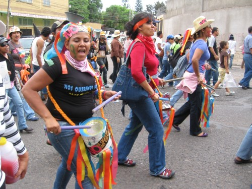 WOMEN IN RESISTANCE! Tegucigalpa, July 3, 2009. Photo: Sandra Cuffe