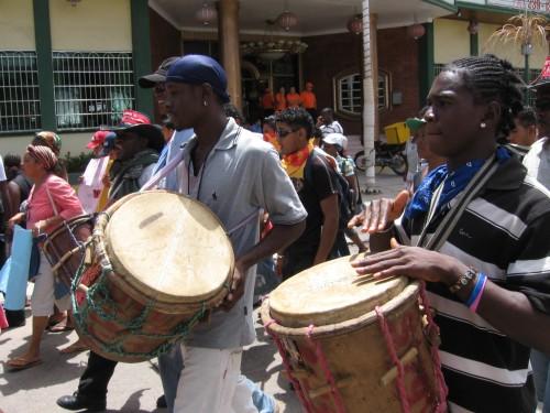 Tambores del Pueblo Garifuna en Resistencia. foto: Sandra Cuffe